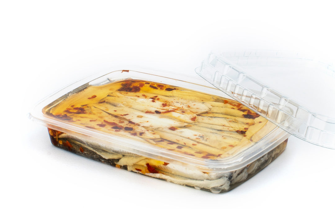 Filetti di acciughe marinate gr. 200 con peperoncino in vaschetta