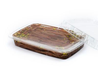Filetti di acciughe gr. 200 con pistacchio in vaschetta