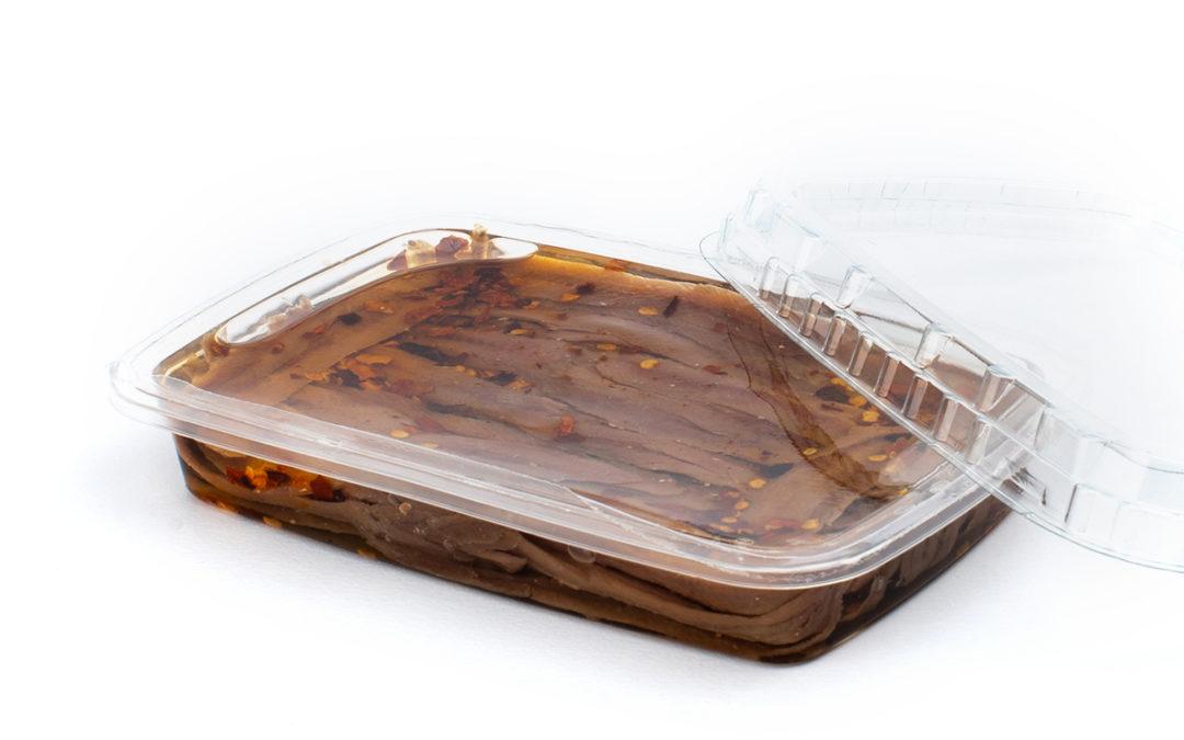 Filetti di acciughe gr. 200 con peperoncino in vaschetta